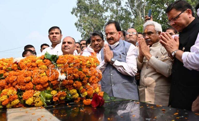 मुख्यमंत्री ने राज्य आन्दोलनकारियों को मुज्जफरनगर शहीद स्मारक में दी श्रद्धाजंलि